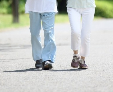 歩行トラブルのない歩きできていますか?